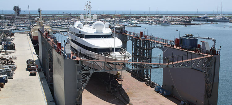 Верфи Tankoa Yachts в Генуе, Италия