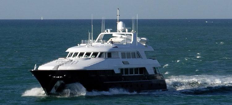 Yacht UTOPIA III (ex Bellini, Lady Linda) from  clip Jennifer Lopez - I Luh Ya Papi (Explicit) ft. French Montana