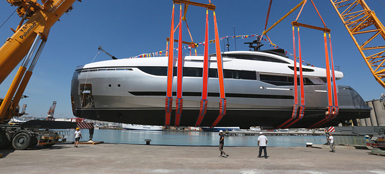 Hydro Tec (exterior stylist) and Hot Lab Yacht & Design (interior designer) for 40m Palumbo Columbus Sport Hybrid 40M