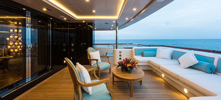 motor yacht superyacht Lady Candy by Benetti