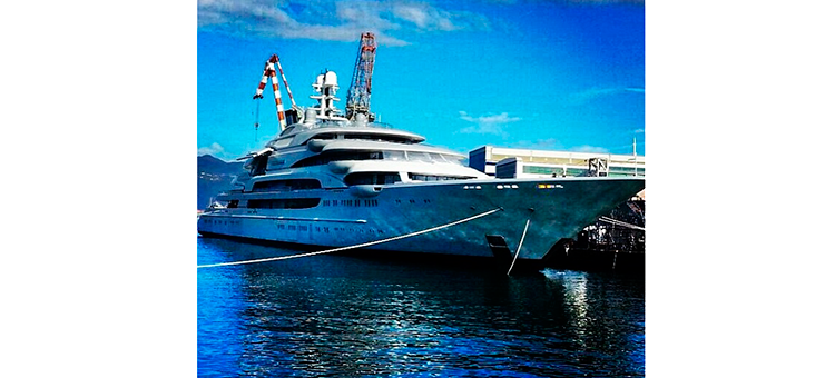 SuperYacht 140m Victory © Photo by gabri_roffo Instagram