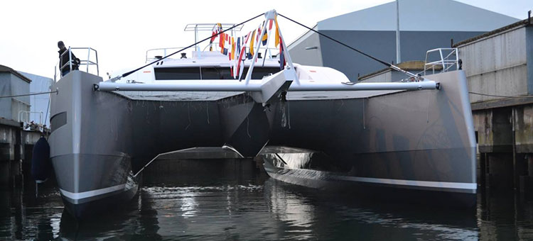 JFA Yachts Long Island 85 lounch