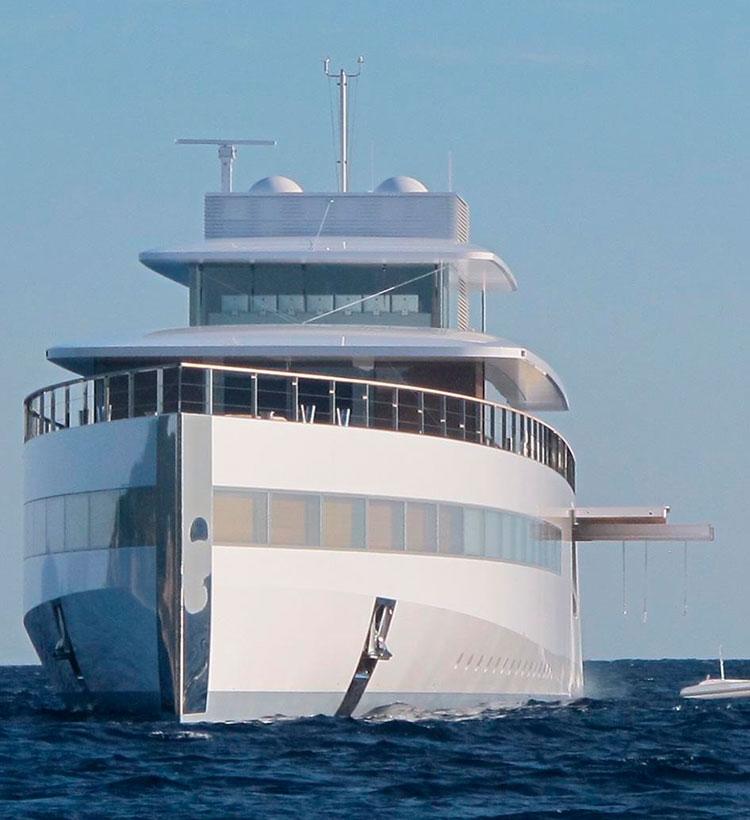 Первые фотографии мега-яхты Стива Джобса Venus после ремонта