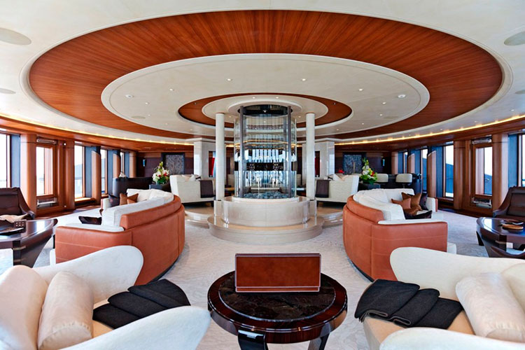 На борту мега-яхты Serene Юрия Шефлера (Fincantieri 2011)
