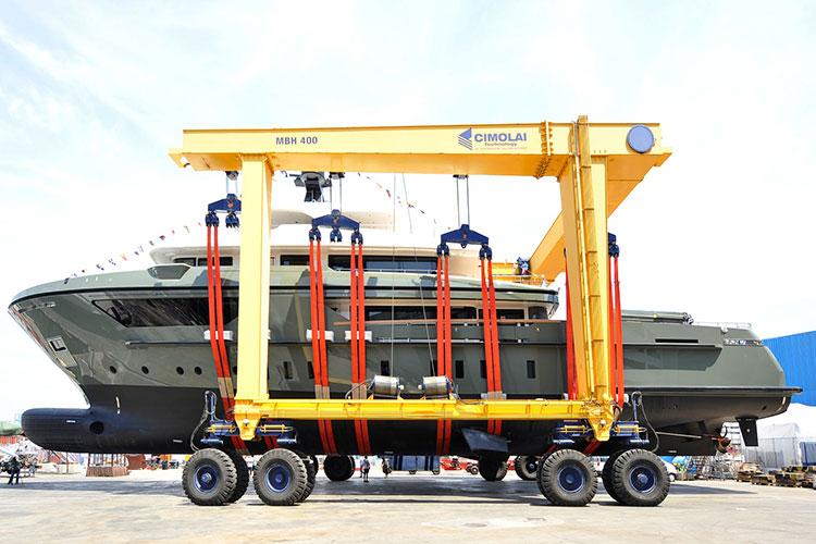 Sanlorenzo спустили на воду первую экспедиционную супер-яхту Sanlorenzo 460EXP