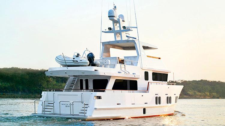 Bering Yachts представила обновленную модель Bering 65
