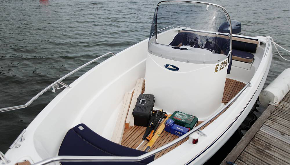Yamarin 56 Center Console