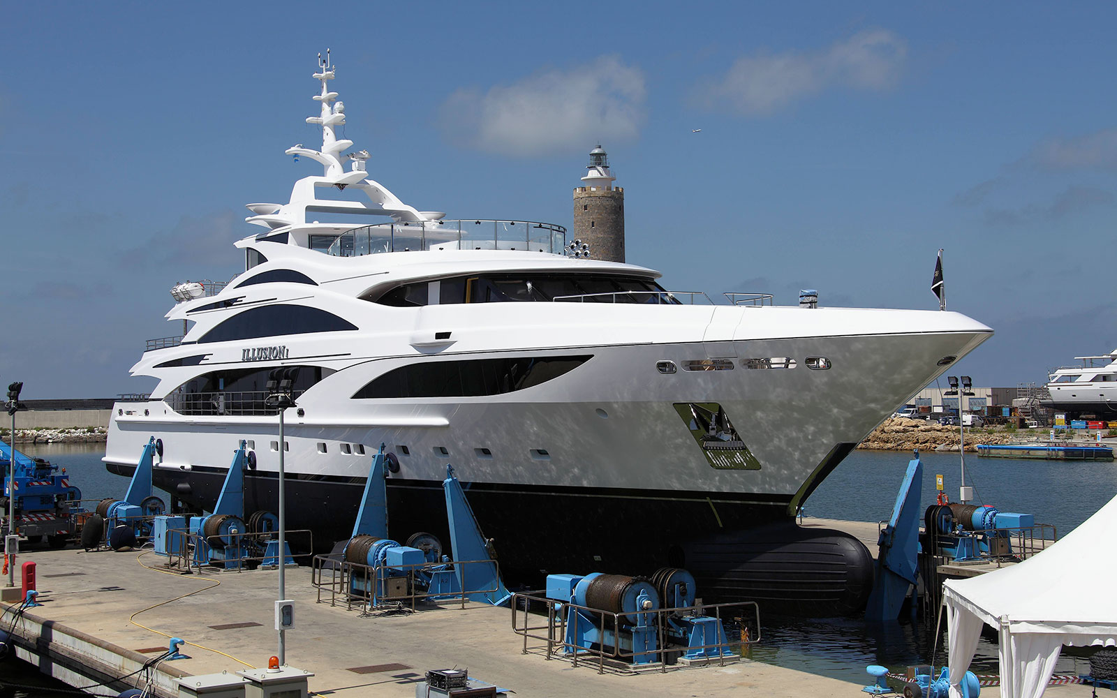 Benetti Illusion I