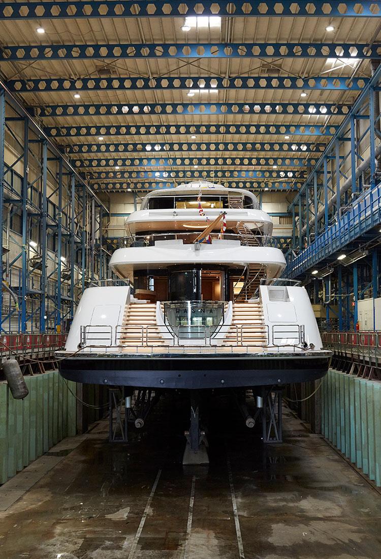 Подробные сведения и фотографии мега-яхты Hasna от Feadship