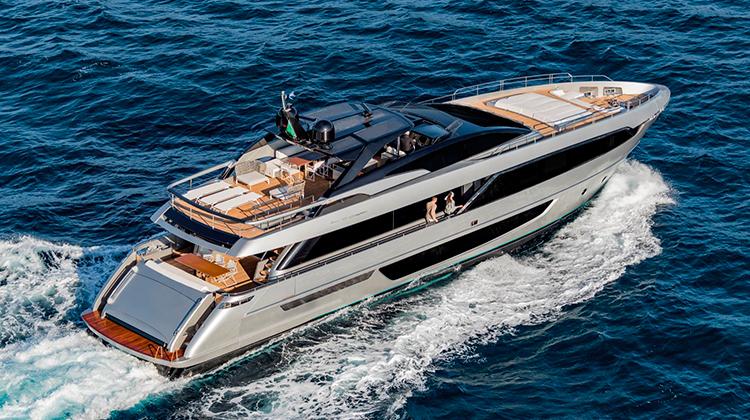 Яхта Riva 100 Corsaro