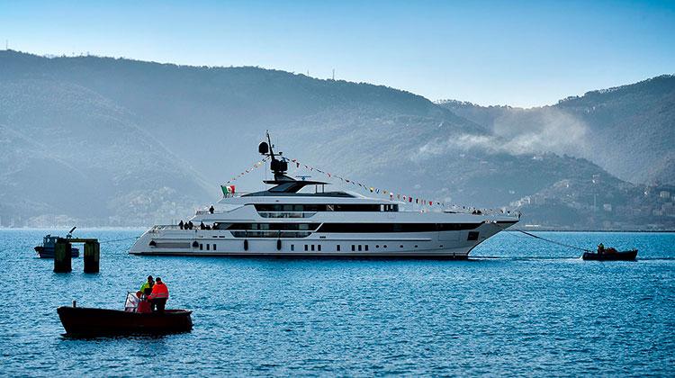 52-метровая моторная яхта Seven Sins (Sanlorenzo 52 Steel)